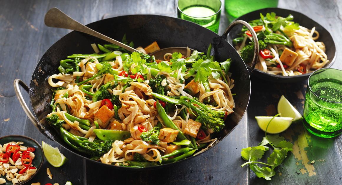 Tofu and Green Vegetable Pad Thai